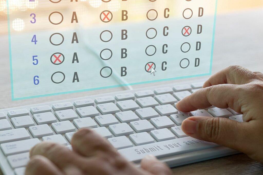 Ecran réalisation d'un test sur ordinateur